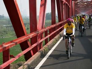 2007年、73歳の時に自身初の台湾ツアーに挑戦する劉金標。927kmを15日間で走破