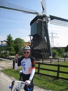 2010年、キングはオランダで500kmを走破し、この国の名高いサイクリング熱やインフラを体験